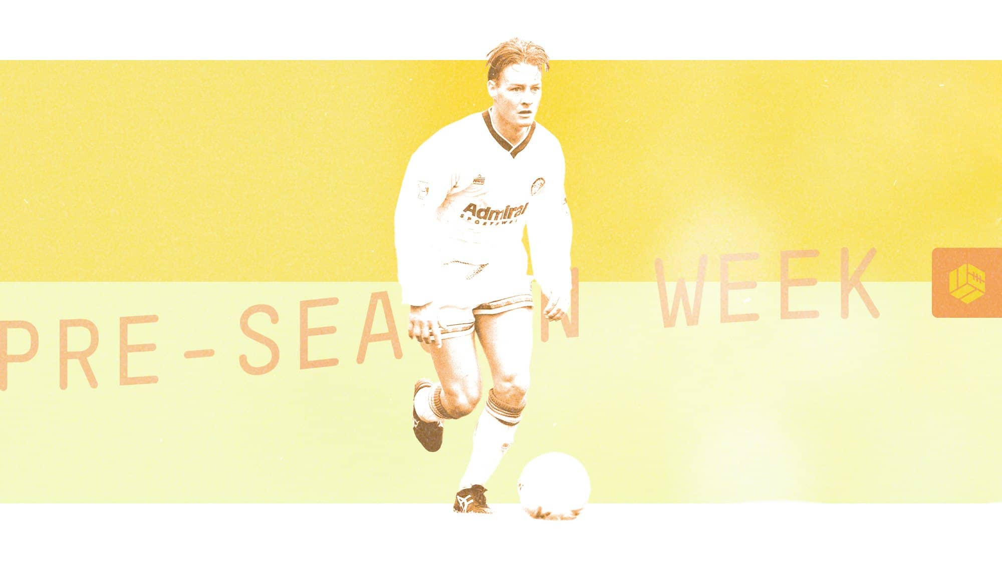 David Batty in Leeds' 92/93 home kit, running with the ball